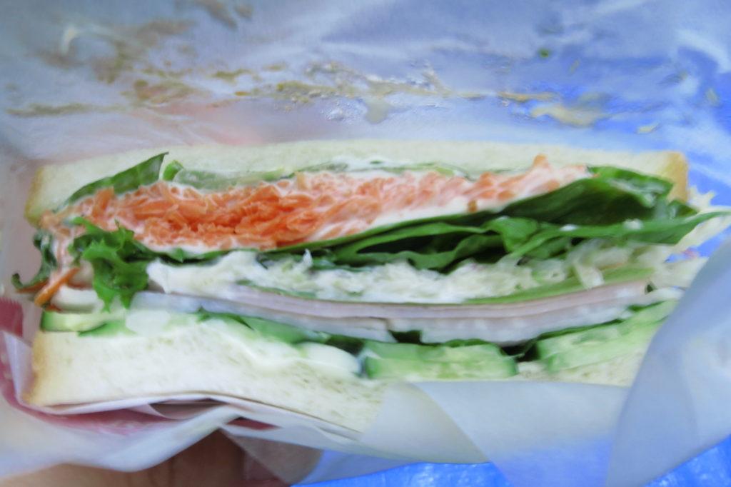 サイドイッチ。美味しさが伝わる写真は難しい。 photo bokunara